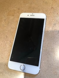 Gold iPhone 6 64gb Toronto, M6E 4K4