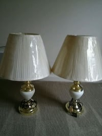two brass base white shade table lamps Hanover, 17331
