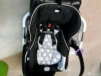 baby's black and gray car seat carrier Fairfax, 22031
