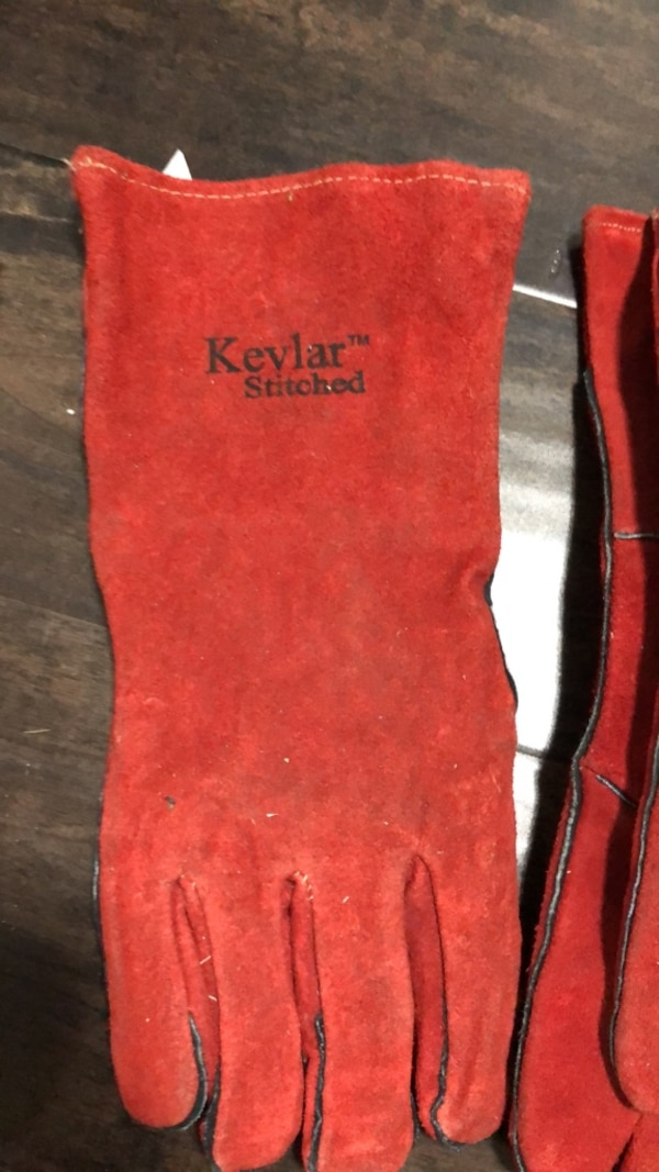 Welding gloves (used) 2 pairs plus one
