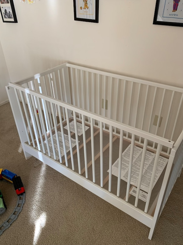 "Ikea Gulliver Crib, white, 27 1/2x52 "" with Vikare guard rail"