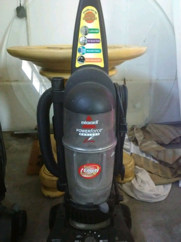 Bissell and eureka vaccums 890982ed-3756-4f09-a7fa-d7fe819d04ff