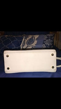 white and black leather wallet Los Angeles, 91605