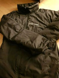 svart zip-up jakke 6250 km