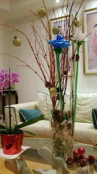 Beautiful glass flowers and vase Vaughan, L4H 2Z9