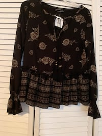 NWT Lila Clothing Co size S Blouse Myrtle Beach, 29577