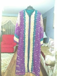 Moroccan caftan. It fits size medium and large. Chicago Ridge, 60415