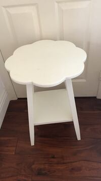 white bedside table Anaheim, 92808