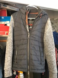 SuperDry Fleece Sz Small  Fort Washington, 20744