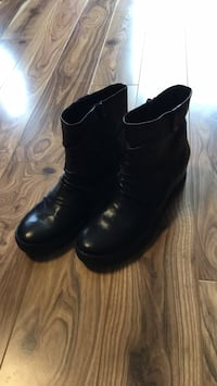 Ladies Geox Brand NEW leather booties - size 40 EUR Mississauga, L4Z 0B4