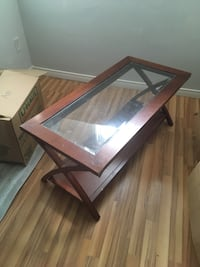 Coffee and end table Kitchener, N2K 3V7