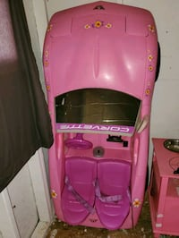 Barbie Corvette (Needs Battery) Capitol Heights, 20743