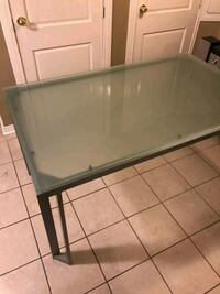Stylish Office Or Home Glass Table Vaughan, L4J 9G5