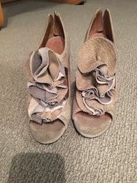 Gray Anthropologie shoes size 7 Oakville, L6M 1K2