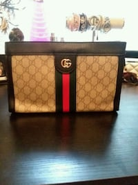 GUCCI clutch purse  Arden, 28704