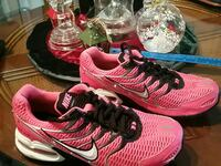 NIKE TORCH 4 WOMENS SIZE 7