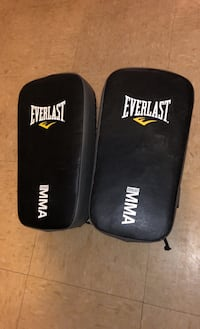Everlast Muay Thai training pads- boxing- MMA.