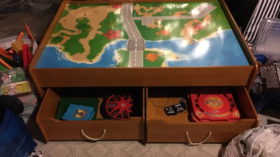 Kids Train/lego table and drawers 41c04dc4-1490-44ff-8390-3dffbc0cea10