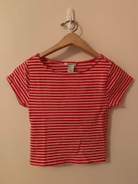 Forever 21 SIZE SMALL Red and White Striped Cropped Shirt Vancouver, V5K 1S8