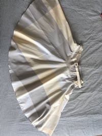 Women's gray and beige mini skirt