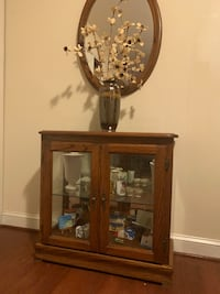 Display case and mirror  Crofton, 21114