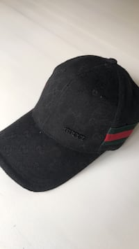 black and red fitted cap Central Okanagan, V4T 2L1
