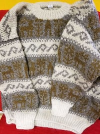Hand knitted sweater size large. Made in Nepal Reston, 20190