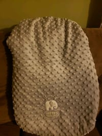 Car seat cover--Like new Laurel, 20723