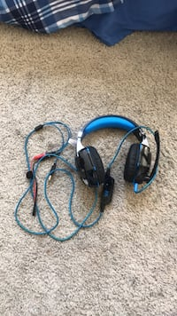 black and blue corded headset Covina, 91722