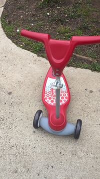 toddler's red Radio Flyer kick scooter Chantilly, 20151