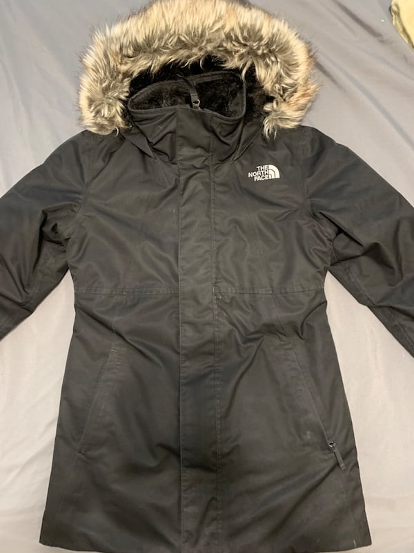 Girls North Face Parka size 7/8 6d91eb18-427a-4ae1-acc2-8fefbadee961