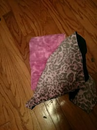 2 teen pillow cases Friendswood, 77546
