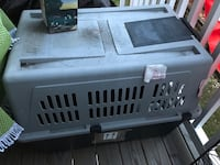 Dog crate. Medium size. Airline approved. Price negotiable   Centreville, 20121