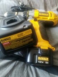 DEWALT XRP 12 VOLT HEAVY DUTY NEW BATTERY AND CHAR