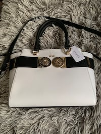 Guess purse (brand new) $100 with tags