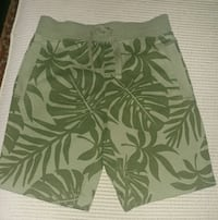 green and white floral shorts Montreal, H8T