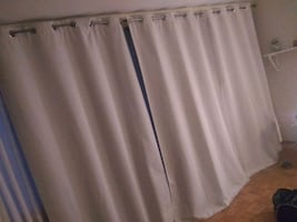 4 - floor to ceiling curtains 8 1/2' x 4 3/6' w/ 20 ft curtain rod