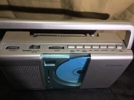 Used Emerson front load Cd / radio boom box / great condition