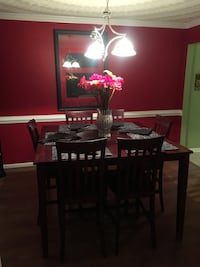 Brown wooden table with chairs Virginia Beach, 23453