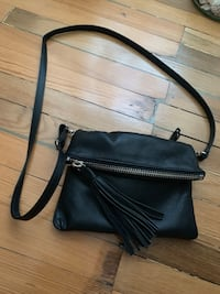 Roots Canada black leather crossbody bag. Brand new, never used   Alexandria, 22305