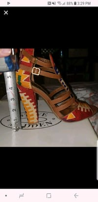 pair of brown leather open-toe heeled sandals Bronx, 10472