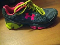 Ladies 6.5 under armour shoes Clinton, 73601