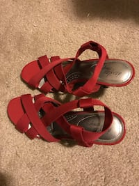 Red-and-gray open-toes strappy back-strap heeled sandals Hillsboro, 97123