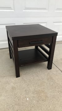 Nightstand/ End table  Norco, 92860