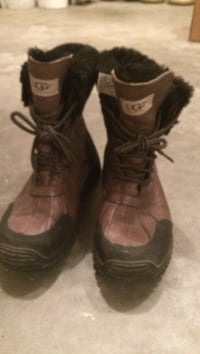 Size 9 women's Hiking boots Central Okanagan, V4T 2M4