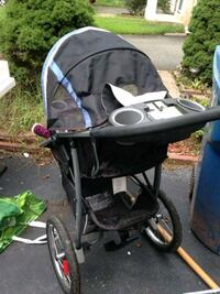 baby's black and gray stroller Ashburn, 20147