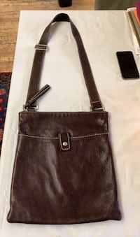 Roots leather purse cross shoulder Gatineau, J8T