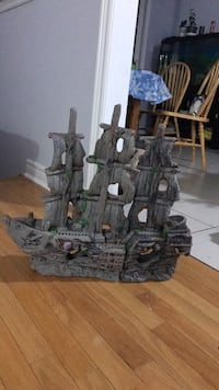 black and gray castle toy Vaughan, L6A 0B5