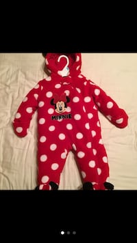 Minnie Mouse winter outfit size 6 months Las Vegas, 89149