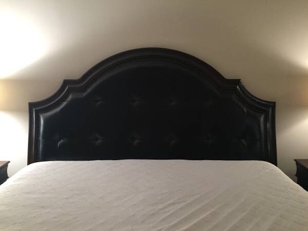 used 6 piece king bedroom set leather tufted headboard for sale in rh gb letgo com